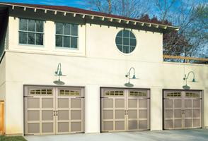 garage-door-courtyard-162a