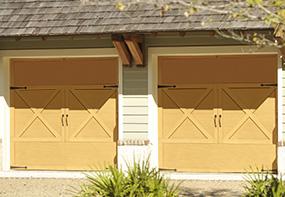 garage-door-courtyard-167E