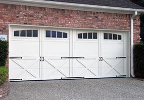 garage-door-courtyard-167b