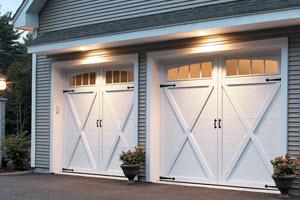 garage-door-courtyard-167t